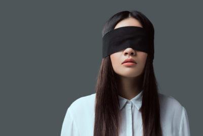 recrutamento às cegas